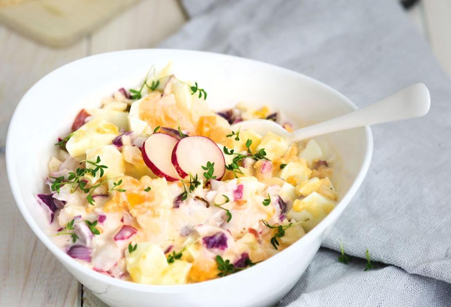 Leicht & lecker: Eiersalat mit Joghurt-Mayonnaise-Dressing