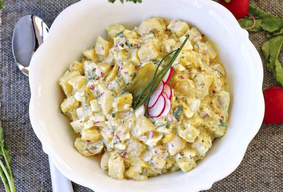 Kartoffelsalat mit Radieschen und Ei