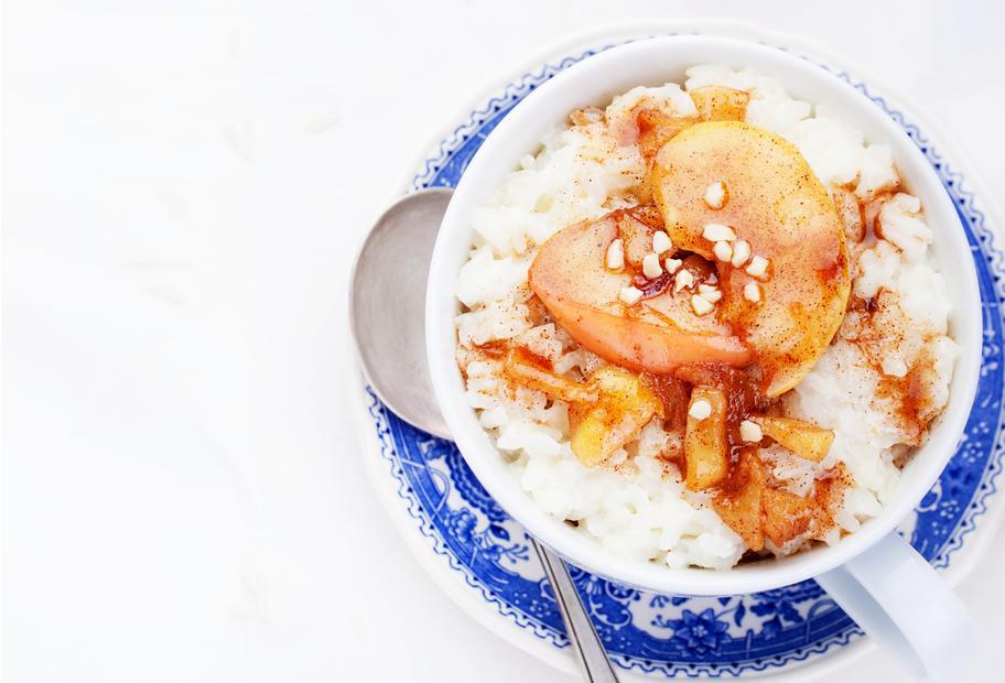 Reispudding mit karamellisierten Äpfeln