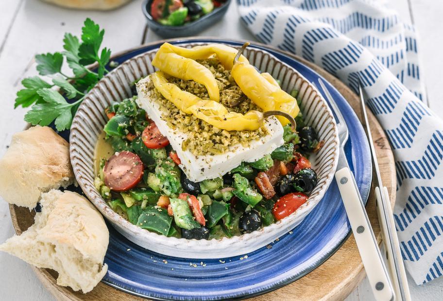 Hirtensalat mit Pitabrot und Feta aus dem Varoma®