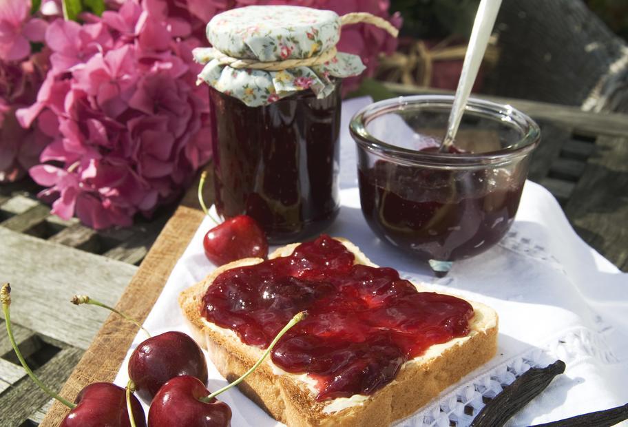 Himmlischer Genuss: Kirsch-Vanille-Konfitüre