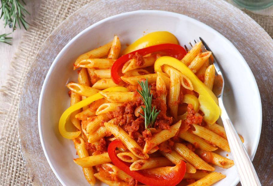 Paprika-Pasta mit Chorizo