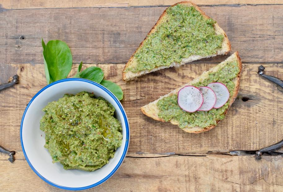 Veganes Pesto mit Feldsalat