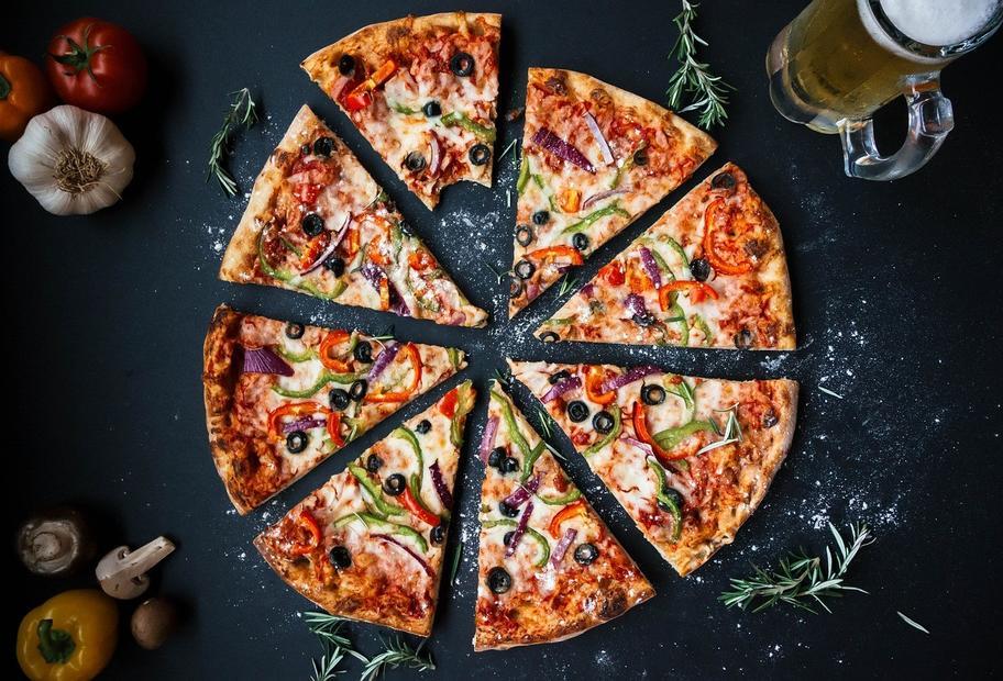 Lecker & gesund: Knusprige Vollkornpizza