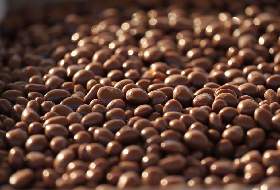 Köstlichster Snack für Kaffeefans: Schokolierte Kaffeebohnen