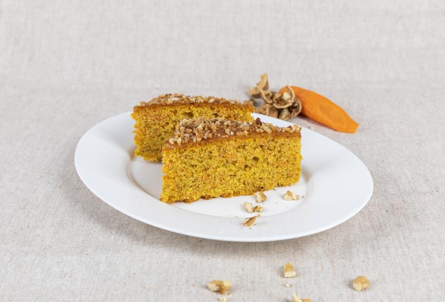 Nuss-Karotten-Kuchen