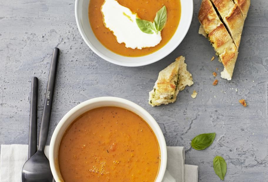 Kürbis-Tomaten-Suppe