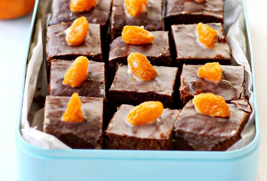 Honigkuchen mit kandierten Clementinen und Zuckerguss