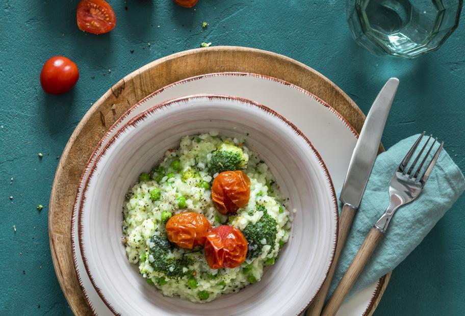 Risotto mit Brokkoli, Erbsen und Tomaten aus dem Varoma®