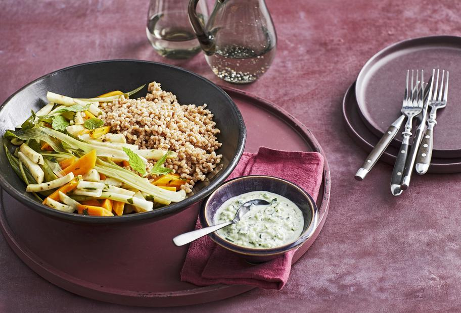 Dinkel mit Gemüse aus dem Varoma®
