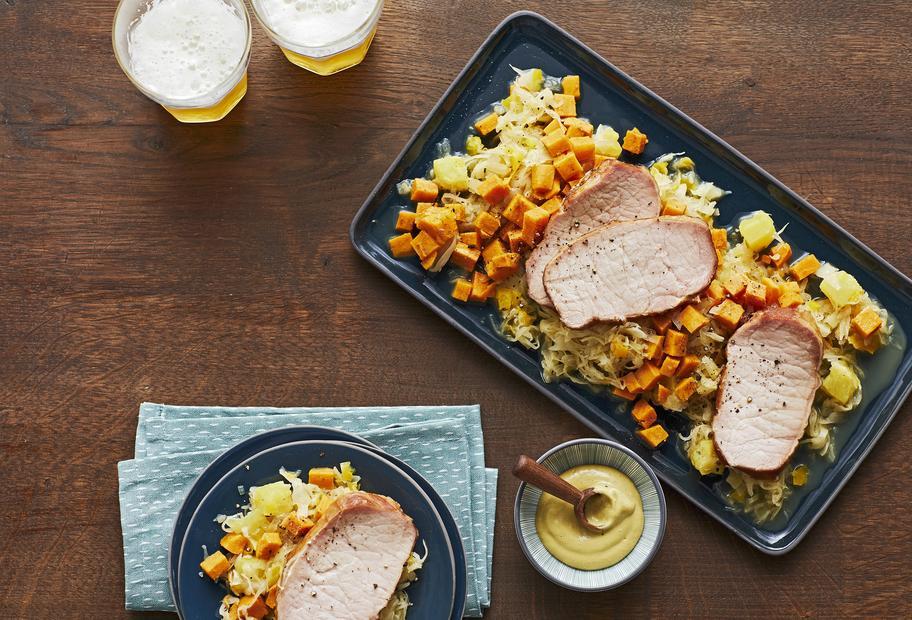 Paprika-Ananas-Sauerkraut mit Süßkartoffeln und Kasseler