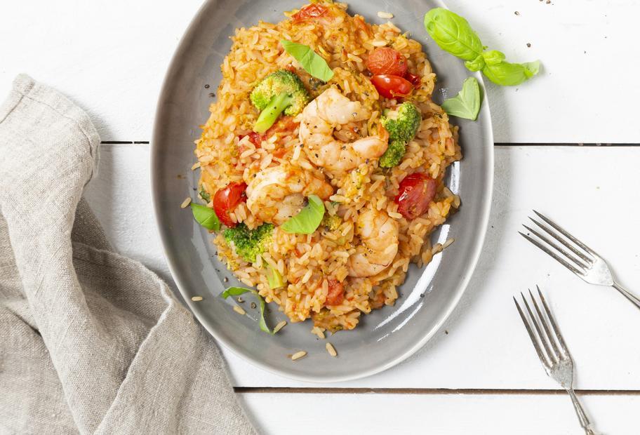 Reispot mit Garnelen und Brokkoli