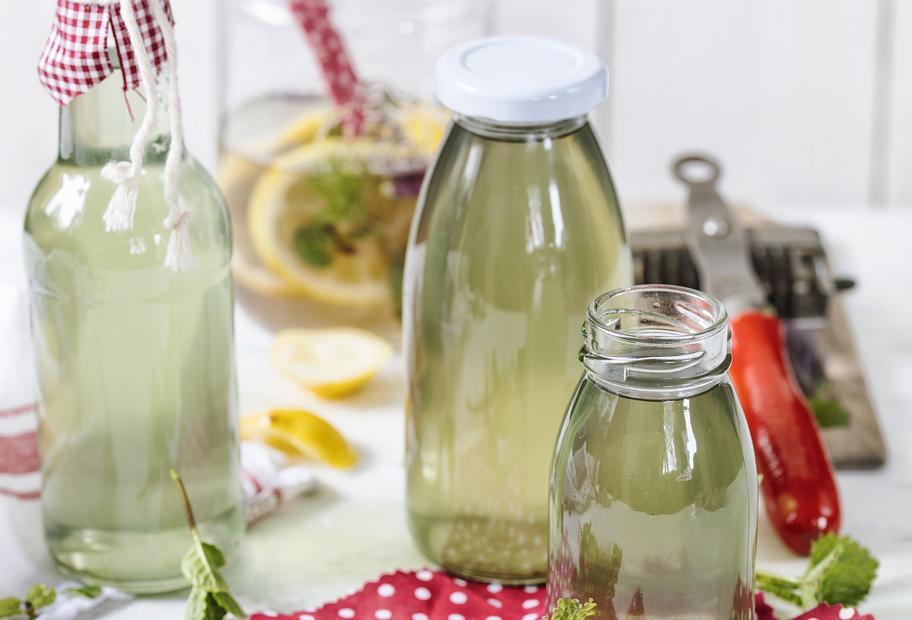 Zitronenmelissesirup mit Pfefferminze