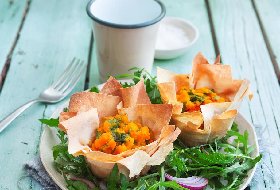 Karottenküchlein mit Rucola-Blitzsalat