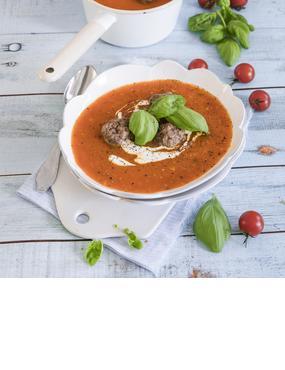 Tomatensuppe mit Fleischbällchen