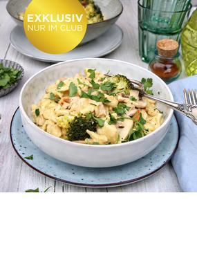 Spätzle-Hähnchen-Topf mit Brokkoli